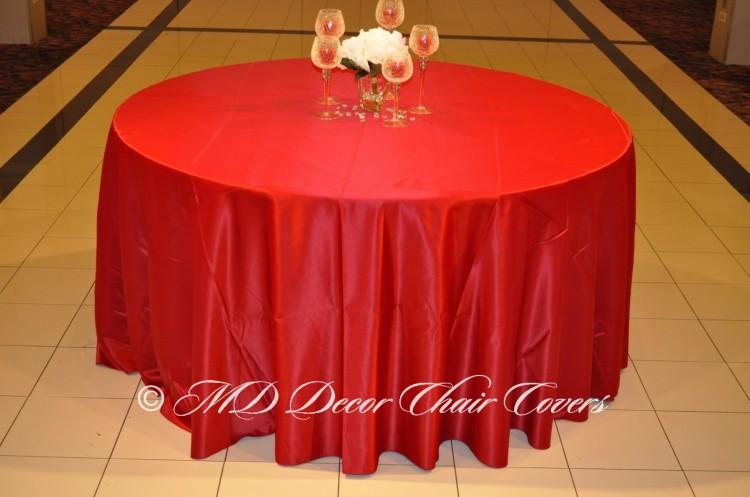 Cranberry-Satin-Lamour-Tablecloth